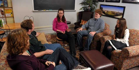 Students talk with Eileen Hunt Botting, associate professor of political science (center)